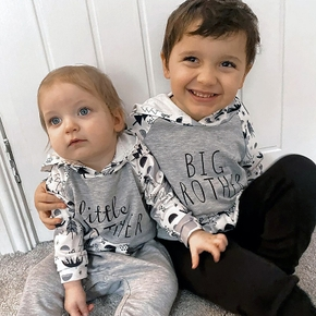 Mosaic Letter and Animal Pattern Siblings Matching Hoodie Sets