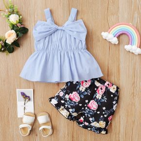 2pcs Toddler Girl Solid Top and Floral Shorts Set