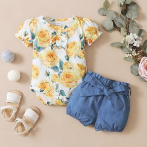2-piece Girl Baby Floral Print Ruffle-sleeve Romper and Denim Shorts with Waistband Set