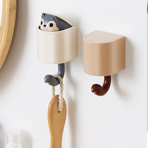 Cute Squirrel Shape Wall Clothes Hooks Nail-free Wall Kids Room Decorative Key Hanger Kitchen Storage Hook
