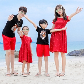 Summer New Family Matching Lion Tees Polka Dots Dresses