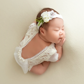 2Pcs Newborn Photography Props Suit Lace Romper Hat Pillow Headband Set Knit Outfits Clothing Infants Shooting Photo Gifts