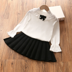 2-piece Baby / Toddler Bowknot Lace Top and Pleated Skirt Knitwear Set