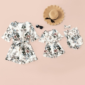 Floral Print Mid-sleeve V-neck Matching White Shorts Rompers