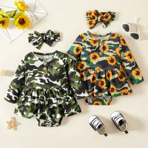 Baby 2pcs Waffle All Over Green Camouflage / Sunflower Floral Print Long-sleeve Romper Dress
