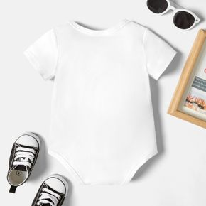 Christmas Baby Graphics Footprint and Figure and Heart-shaped Print Short-sleeve Romper