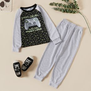 2-piece Kid Boy Letter Game Console Print Raglan Sleeve Pullover and Grey Pants Set